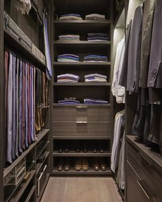 WEBSTA @ laurahammett.interiors - A masculine walk-in wardrobe in one of last years projects #walkinwardrobe #interiordesign #interiorarchitecture #interiorstyling #luxuryinteriors #laurahammett