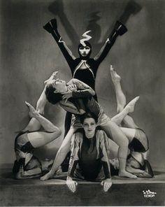 Dora Kallmus (Madame D'Ora) :: The Demon Machine, choreography by Gertrud Bodenwieser, 1924