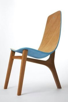Baby Blue chair by Paul Venaille. 2013 Three legs and a nice body: The footing…