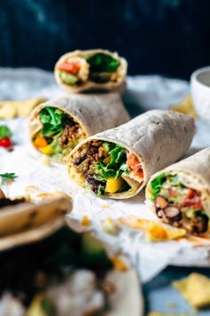 This Guacamole Beef Burrito recipe is super easy and quick to make. If you love Taco Bell burritos, you will love this recipe too.