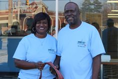 Moe's grills up hometown fare - Jerry and Shirley Fairley opened Moe's Chicken early December 2015