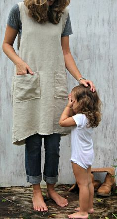 Pinafore Apron with pockets.
