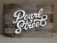 Pearl Street Sign