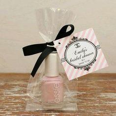 Ideas de esmaltes de uñas como souvenirs de baby shower - http://manualidadesparababyshower.net/ideas-de-esmaltes-de-unas-como-souvenirs-de-baby-shower/