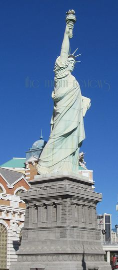 http://themomreviews.com/2013/01/11/photography-a-little-lady-liberty-and-nyc-in-vegas.html