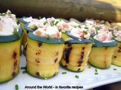 DIY-Finger-Foods how to make Zucchini rolls with cream-cheese and smoked salmon for a party