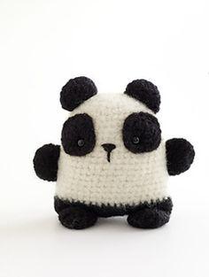 This super fun critter is a great amigurumi pal. As seen in Martha Stewart Living, January 2010. (Lion Brand Yarn)