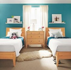 blue and natural wood bedroom combo. Luv it with orange too.