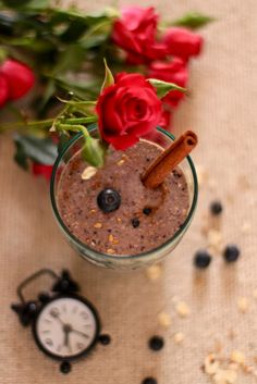 """Plateful: Blueberry Banana Oatmeal Smoothie—a power-packed hearty drink My breakfast this morning. No sugar needed :"""") Banana Oatmeal Smoothie, Banana Smoothies, Banana Oats, Yummy Yummy, Yummy Food, Smoothie Detox, Healthy Food, Healthy Recipes, Breakfast Lunch Dinner"""