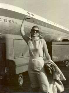 Melina Mercouri: The Heroic Voice Of Greece Elgin Marbles, Greece Today, New York Taxi, Spiritual People, Enemy Of The State, Best Actress Award, Old Hollywood Glamour, Classic Hollywood, Cultural Capital