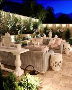 45 Backyard Patio Ideas That Will Amaze & Inspire You - Pictures of Patios Brilliant backyard ideas diy patio diy patio ideas Diy Patio, Backyard Patio, Backyard Landscaping, Landscaping Ideas, Budget Patio, Patio Stone, Flagstone Patio, Concrete Patio, Patio Table