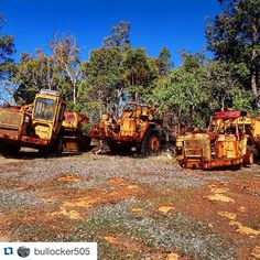 #Repost @bullocker505 with @repostapp.  #scraper #graveyard #boneyard #scrap #caterpillar #earthmoving #heavyequipment #abandoned #rust #outback loads of cat scrapers rusting away in the winter sun!