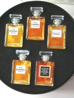 Chanel Fragrance Wardrobe ca. 2009: No. 5, No. 19, No. 22 (vintage), Coco, Allure