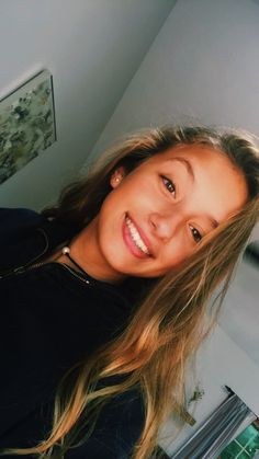 She's so pretty Pretty People, Beautiful People, Catfish Girl, Blonde Girl Selfie, Cute Instagram Pictures, Cute Selfie Ideas, Teenage Girl Photography, Fake Girls, Girls Selfies