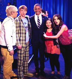 Is that.....?! Could it be......?!?! YES!!!! It's Calum Worthy! XD Oh, and Ross Lynch, Raini Rodriguez and Laura Marano... and a really bad Obama impersonator. XD
