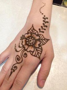 Henna on other trainee