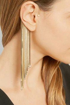 Ear cuff with fringes Ear cuff with fringes - . - Ear cuff with . Ear Jewelry, Cute Jewelry, Modern Jewelry, Body Jewelry, Jewelry Accessories, Jewelry Design, Gold Jewellery, Skull Jewelry, Hippie Jewelry