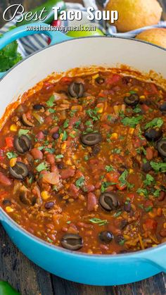 Taco soup recipe made easily in one pot is hearty, delicious and full of flavor. Made with affordable and easy to find ingredients for the ultimate meal!Best Taco Soup Recipe - One Pot [VIDEO] - Sweet and Savory MealsGlenn Murphy gdmurphy Culinary Ta Crockpot Recipes, Soup Recipes, Healthy Recipes, Chili Recipes, Gumbo Recipes, Chowder Recipes, Cookbook Recipes, Copycat Recipes, Healthy Food