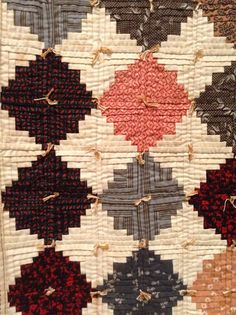 Farm Fresh Living ~ Timeless Traditions: Old antique quilts New England detail Amish Quilts, Old Quilts, Antique Quilts, Scrappy Quilts, Small Quilts, Vintage Quilts, Nancy Zieman, Quilting Projects, Quilting Designs