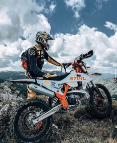Here, they say, travel is the best way to educate yourself in everything: the truth, certainly the truth! How much to learn here Moto Enduro, Enduro Motocross, Moto Bike, Motorcycle Bike, Motorcycle Quotes, Ktm Dirt Bikes, Cool Dirt Bikes, Dirt Biking, Triumph Motorcycles