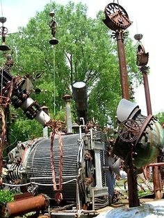 DR. EVERMOR'S FOREVERTRON - NORTH FREEDOM, WISCONSIN Tom Every was a professional destroyer. Tom worked in Wisconsin as an industrial wrecker, thrashing old factories, breweries and any other building that stood in the way. But when he retired in 1983, he decided he would dedicate the rest of his life to being a creator,  Dr. Evermor. Made from industrial scrap, the sculpture park includes a decontamination chamber from NASA's Apollo project. Tumblr