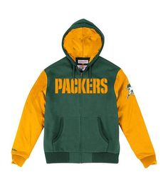 This officially licensed Mitchell & Ness jacket features a full-zip showing off your primary team colors as well as an embroidered team name in front and a throwback pack on the left sleeve. Standard men's sizes. #greenbaypackers #packers #nfl