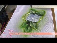 Aprenda a técnica da pintura em tecido molhado - YouTube