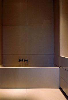 Natural stone bath - Vincent Van Duysen