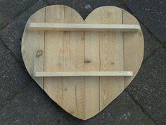 Ons #diy hart gemaakt van steigerhout. Klaar om nog te worden gebeitst.