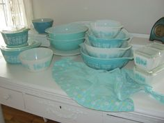 Google Image Result for http://www.greencavedesigns.com/mymotherspearls/wp-content/uploads/2012/02/aqua-pyrex-011.jpg
