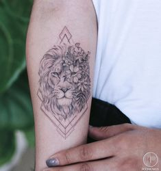 Tattoos for men Mini Tattoos, Leo Tattoos, Body Art Tattoos, Small Tattoos, Tattoos For Guys, Tattos, Calf Tattoos For Women Back Of, Small Lion Tattoo For Women, Simple Lion Tattoo