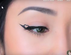 How to do eyeliner? How to slay your winged eyeliner? How to create different eyeliner looks? I present to you 12 eyeliner ideas! Cute Eye Makeup, Emo Makeup, Indie Makeup, Eye Makeup Art, Makeup Tutorial Eyeliner, No Eyeliner Makeup, Skin Makeup, Eyeliner Ideas, Graphic Makeup