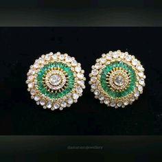Simple Yet Elegant Gold Jhumka Earrings, Jewelry Design Earrings, Gold Rings Jewelry, Gold Earrings Designs, Jewellery Sketches, Beautiful Earrings, Elegant, Simple, Jewels
