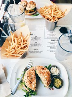 lunch with friends / follow me on insta || @itsfaithelizabeth