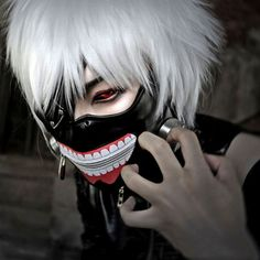 Looking to roleplay Kaneki from Tokyo Ghoul for anime events or perhaps a halloween party? This Tokyo Ghoul Mask would be perfect for you! Just like in the anime, the mask has a functional zipper and