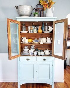 fabulous storage altbau pinterest vitrinenschrank. Black Bedroom Furniture Sets. Home Design Ideas