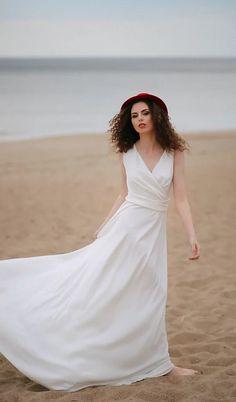 Vestuvinė suknelė   madosbutas Wedding Dresses, Fashion, Bride Dresses, Moda, Bridal Gowns, Fashion Styles, Weeding Dresses, Wedding Dressses, Bridal Dresses