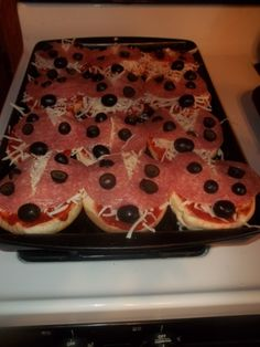 "individual ladybug pizza lunches to make with T & Fuhs girls this summer ""Shanny Summer Camp"""