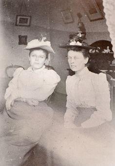 Anonyme-Camille Claudel et Florence Jeans à Shanklin,Ile de Wight,1886