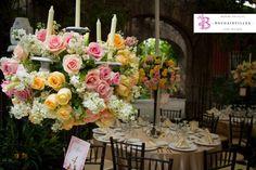 Dale un vistazo a nuestros tableros de #Pinterest y entérate de todo lo que www.bougainvilleabodas.com.mx - Wedding Planner hace en el área de FLOWER DECO.