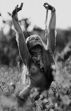 freedom | joy | expression | free | naked in nature | boho | hippy | bohemian | field |