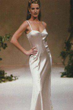 Karen Mulder for Valentino HC (1994)
