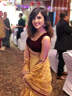 Shirley Setia is an indo Kiwi Singer. Hindustan Times and Forbes featured Setia as Bollywood's Next Big Singing Sensational. Indian Celebrities, Bollywood Celebrities, Beautiful Celebrities, Beautiful Actresses, Bollywood Images, Beautiful Girl Indian, Beautiful Girl Image, Most Beautiful Indian Actress, Beautiful Women