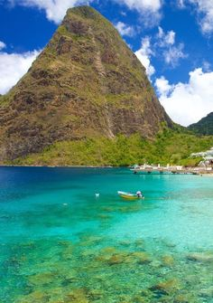 15 reasons why St Lucia is the perfect Caribbean island Vacation Resorts, Best Vacations, Beach Resorts, Italy Vacation, Honeymoon Destinations, Island Pictures, Beach Pictures, Beach Pics, Castries St Lucia