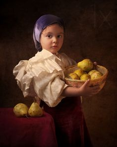 Melbourne-based photographer Bill Gekas makes beautiful portraits of his daughter, posing in the scenes of the classic paintings by artists like Caravaggio, Vermeer, Rembrandt, Raphael or Velazquez. Digital Photography School, Children Photography, Fine Art Photography, Classic Photography, Vintage Photography, Photography Photos, Classic Portraits, Classic Paintings, Famous Portraits