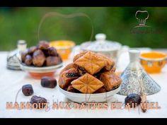 Makrout aux dattes et au miel Le Makrout est une pâtisserie Maghrébine qu'on trouve sur presque toutes les tables de jour de l'Aid . Algerian Recipes, Algerian Food, Tunisian Food, Ramadan, Biscuits, Cereal, Honey, Breakfast, Desserts