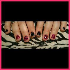 Nails negro y rosa fluor con zigzag