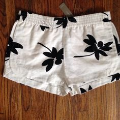 "HP!!   J Crew linen shorts Super cute NWT floral cotton/linen shorts. Pockets. Elastic waist measures 14"" flat. Length is 11"". J. Crew Shorts"
