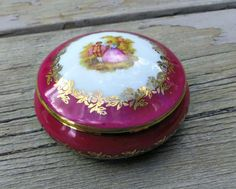 Trinket Box Courting Couple Porc Leclair by Lynnestreasures