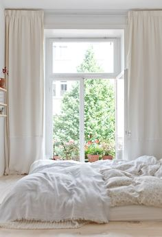 25 All White Bedroom Collection for your inspiration - Schlafzimmer - Curtains All White Bedroom, Beautiful Bedrooms, Interior, Home, Home Bedroom, Dream Bedroom, Bedroom Interior, Interior Design, Minimal Bedroom